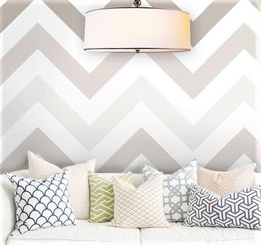 divano bianco con cuscini